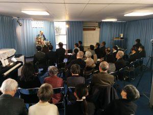 卒業式で説教する本学教師杉山