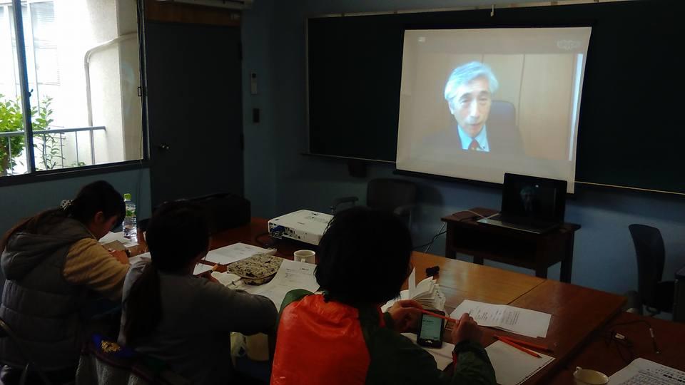 新約釈義のクラスで教鞭をとる千田俊昭氏