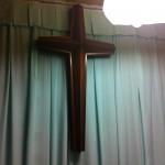内部には十字架が飾ってあります